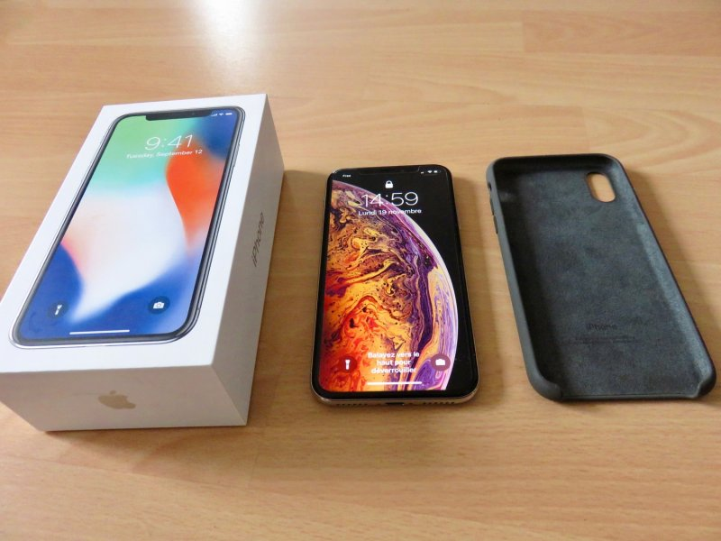 iPhone X 256 Silver_2793.jpeg