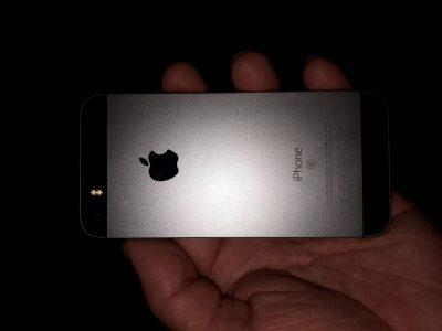iPhone 5 SE 128G comme neuf