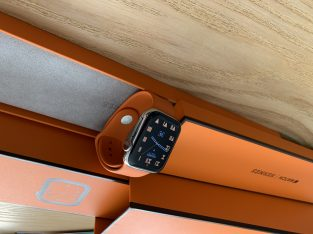 Apple Watch Hermès series 4 44mm excellent état