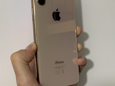 iPhone XS gold 64 go