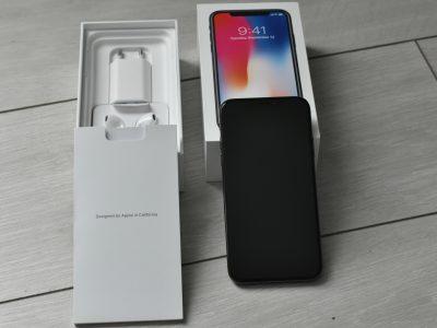 IPhone X 64 Go – 4 mois – sous garantie