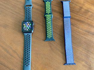 Apple Watch Series 3 NIKE noir