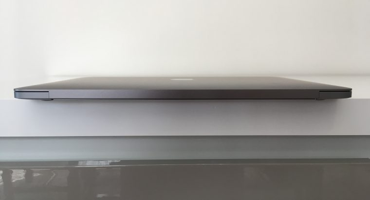 MacBook Pro Touch Bar 13″ i5 2,9Ghz SSD256Go 8Go