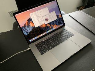 MacBook Pro 15 TouchBar (à neuf) + AppleCare