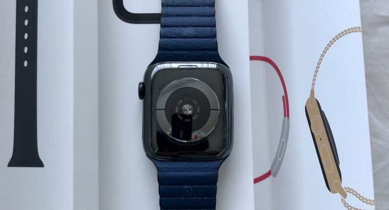 Apple Watch series 4 SS Space Black Cellulaire