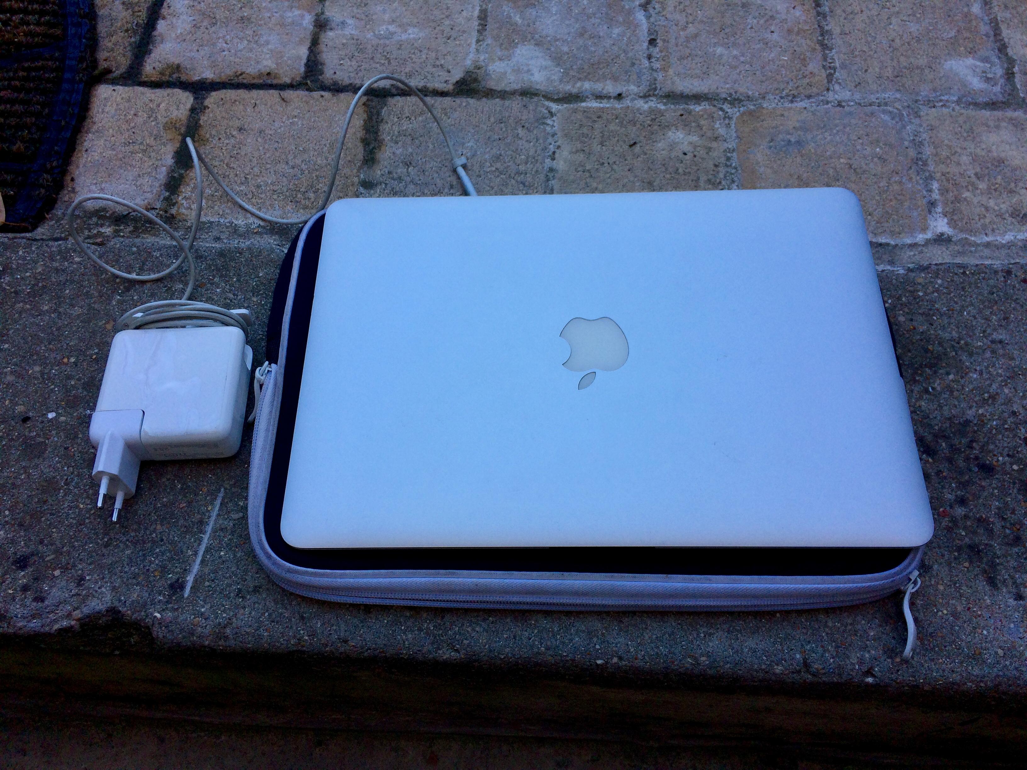 Vend Apple Macbook Air 13″ Fin 2010 SSD 128 Go