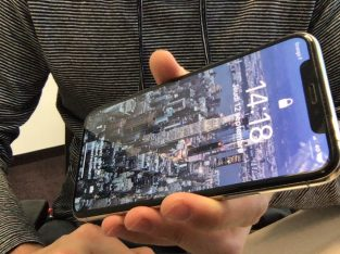iPhone XS 256 Go Argent comme neuf