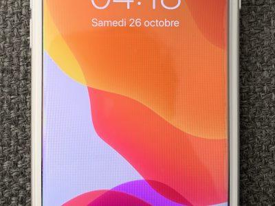 Iphone 7 argent 128go sous garantie