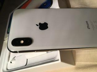 iPhone X gris argent 256Go état neuf sous garantie