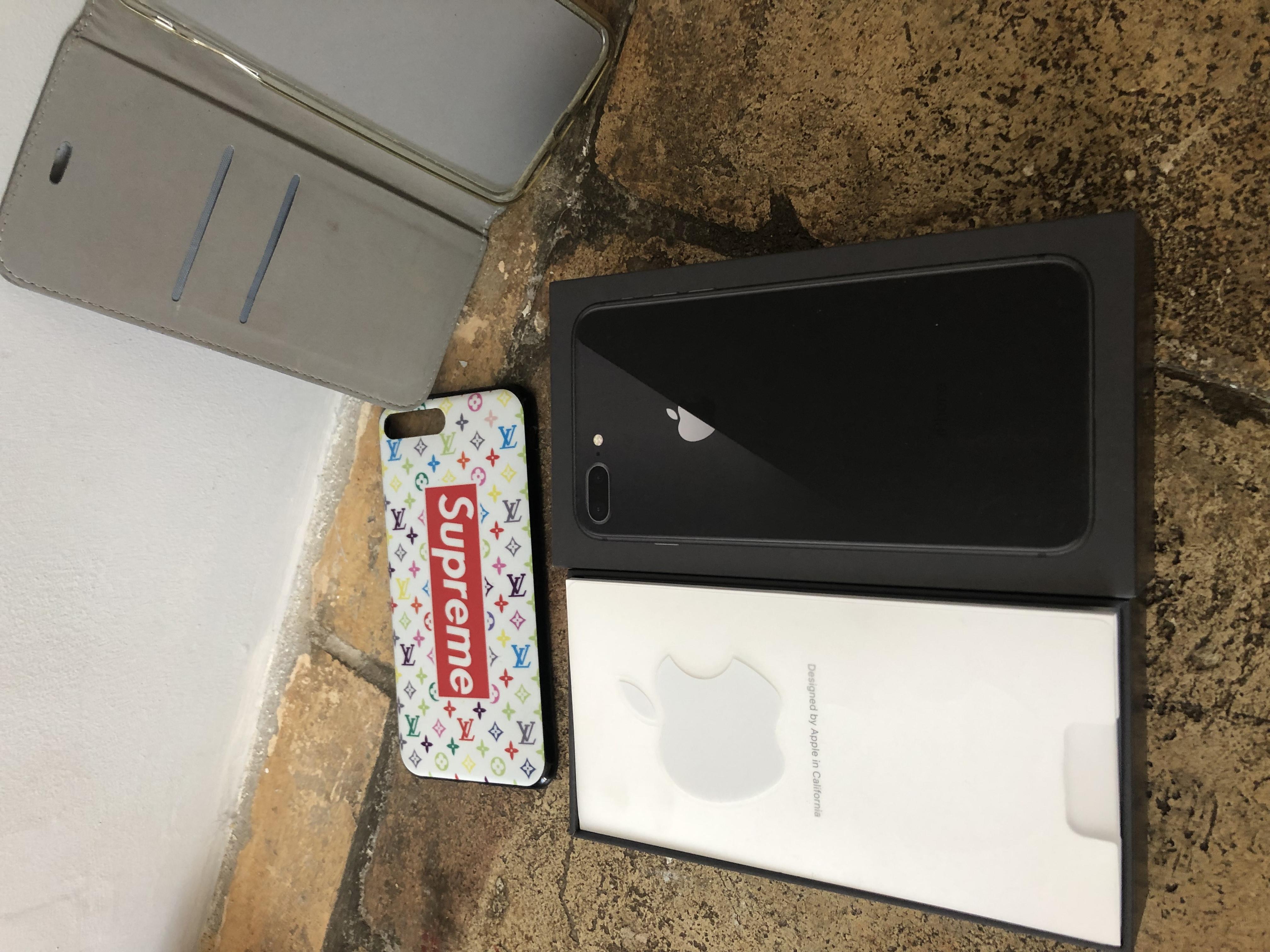iPhone 8 Plus 64 gb comme neuf