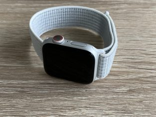 Apple Watch 40 mm GPS + cellulaire Nike Argent