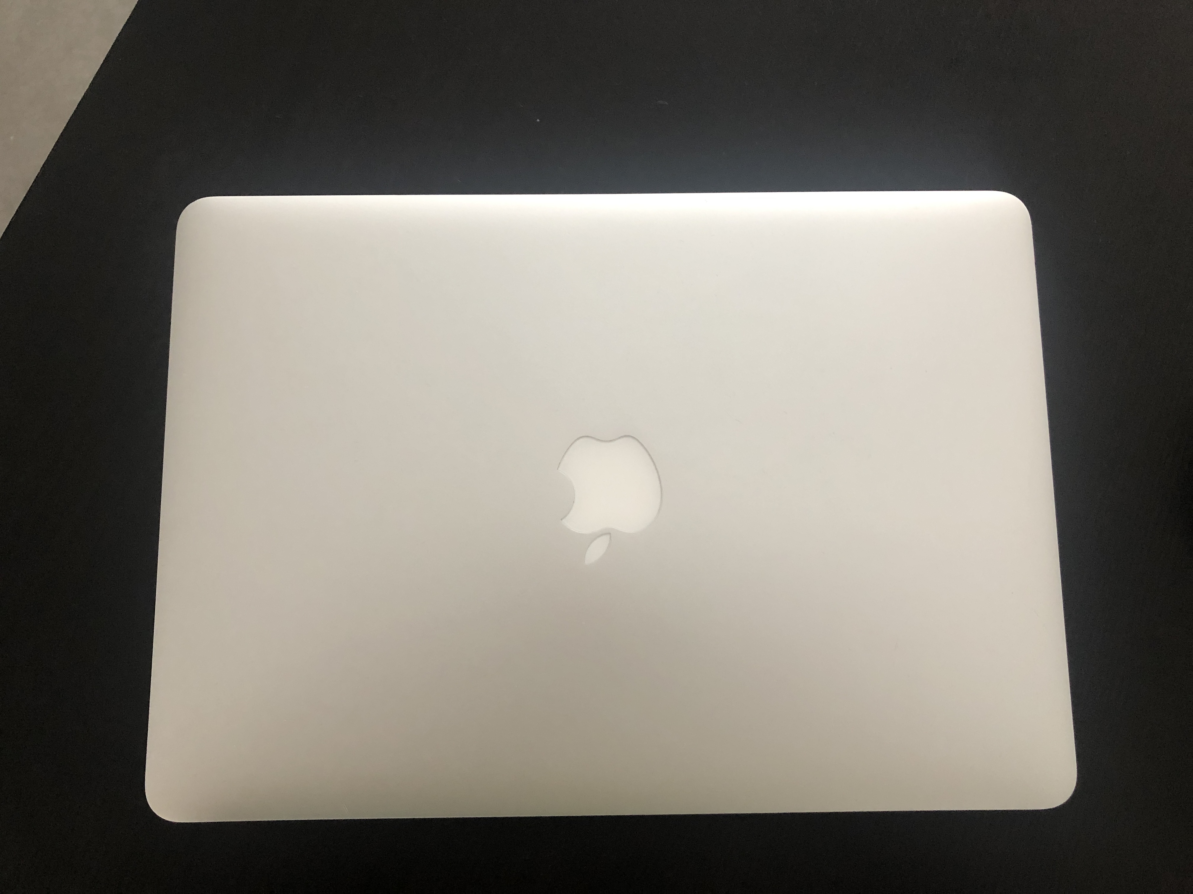 MacBook Air 13 2017 i5/ RAM 8GB/ 128 GB SSD Garant