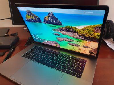 MacBook Pro 15″ 2018 Touch Bar, 2.2Ghz, 256 GO