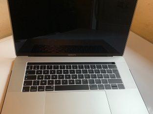 MacBook Pro 15' 2018 i7, 512Go SSD, 16Go Ram