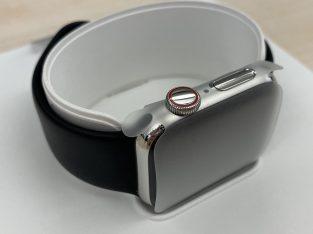 Apple Watch Series 4 GPS Cellular Acier inoxydable