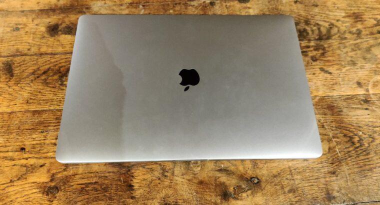 MacBook Pro 16″ (Gris, 2019) i9 2,3 Ghz 1To 16Go