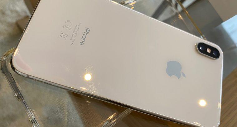Vends iPhone XS Max 256Go Silver TBE