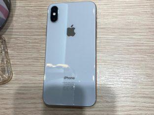 iPhone XS blanc 256 Go très bon etat
