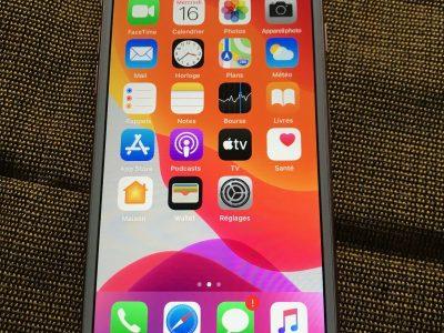 IPhone 7 128 go très bon état