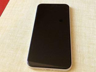 Iphone XR // Blanc // 64Go