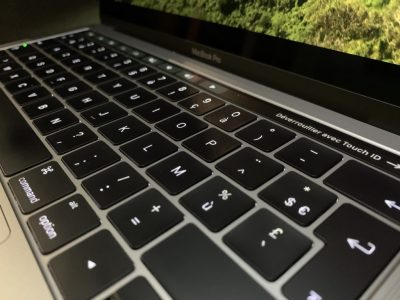 MacBook Pro 13 Touch Bar – 500Go SSD – 16Go RAM