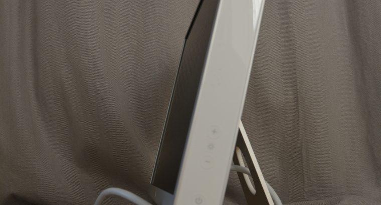 Apple Cinema Display (23-inch DVI Late 2005)
