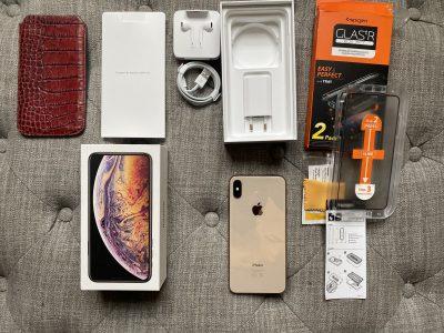 Vends iPhone XS Max Or 64 gb, parfait état.