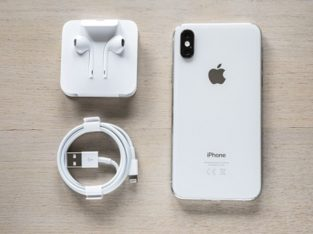 IPhone XS Argent 64Go