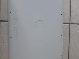 Pour pièces Macbook blanc 13,3″ 2,26 GHz