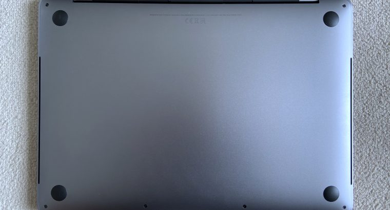 MacBook Pro Touch Bar 13″ 2020 Quadcore i5 2,0Ghz