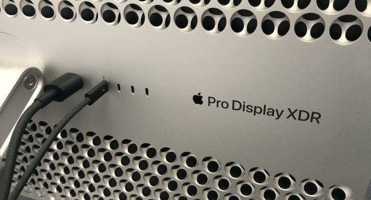Moniteur Apple Pro Display XDR avec pied Pro Stand