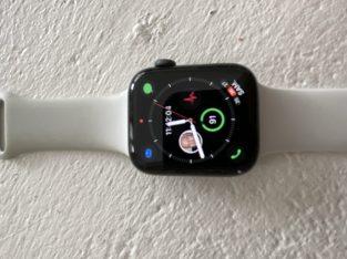 Montre Apple Watch4 GPS 44mm