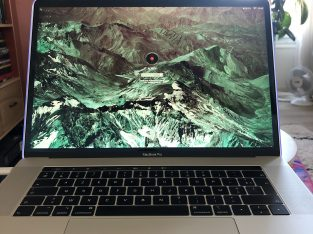 MacBook Pro Touch Bar i7 6 cœurs rx555x
