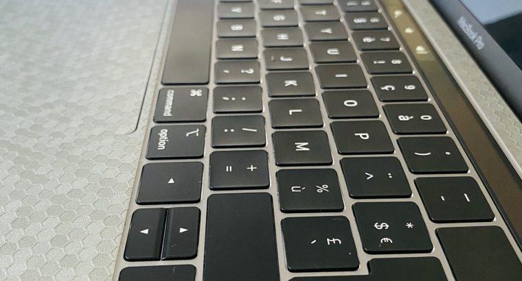 "MacBook Pro 13"" 2019 Touch Bar 2,4Ghz"