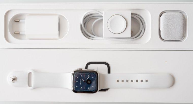 Apple Watch Serie 4 acier inox chrome cellular