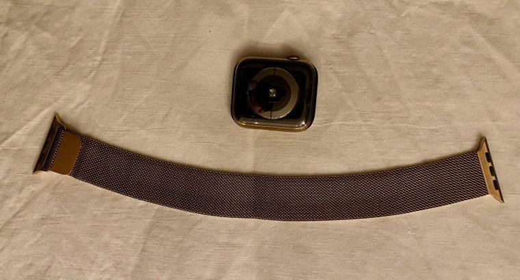 Apple Watch S4 Acier Inoxydable OR 44mm