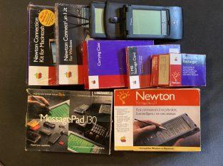 4 Apple Newton MessagePad, boîtes et accessoires