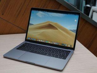 MacBook Pro 13 pouces 2019, touch bar, i5, 2,4 GHz
