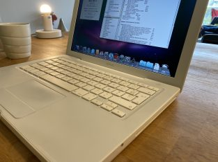 MacBook Blanc 13' 4Go 160Go HD