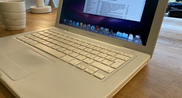 MacBook Blanc 13' 4Go 160Go HD