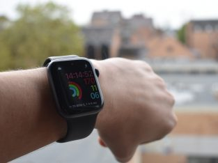 Apple watch (Series 4) – 44MM – GPS