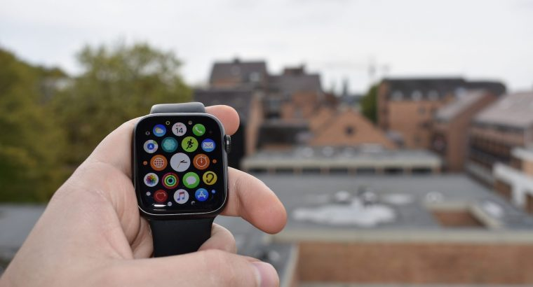 Apple watch (Series 4) – 44MM – GPS
