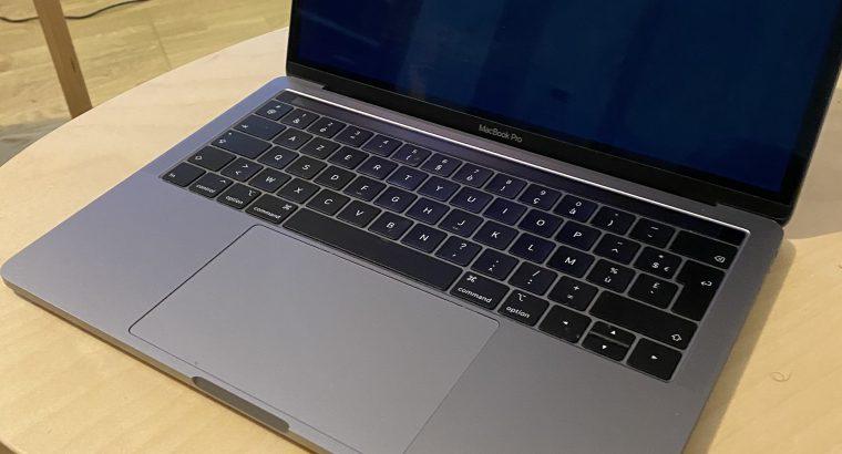 Macbook Pro Touchbar Retina 2018