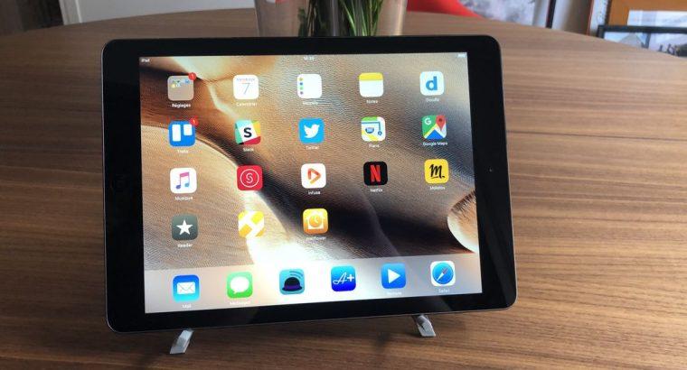 Apple iPad Air 128 Go gris sidéral TBE