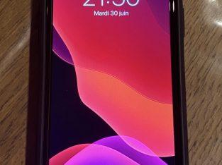 iPhone 11 – Rouge – 256 Go Comme neuf