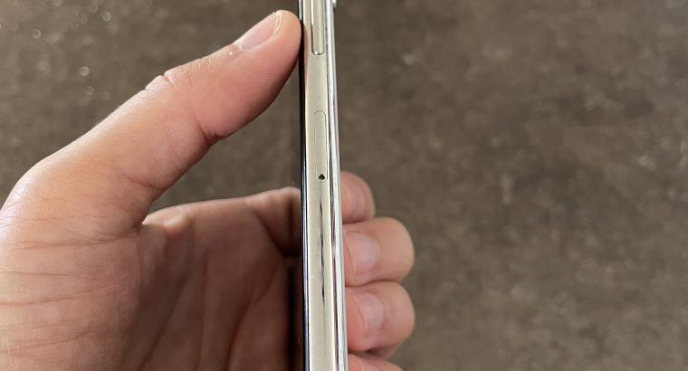 iPhone X 64 go argent