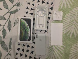 iPhone XS 64Go Noir Complet + Verre Trempé