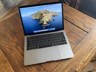 MacBook Pro 13″ 2019 – Touch Bar – Etat neuf