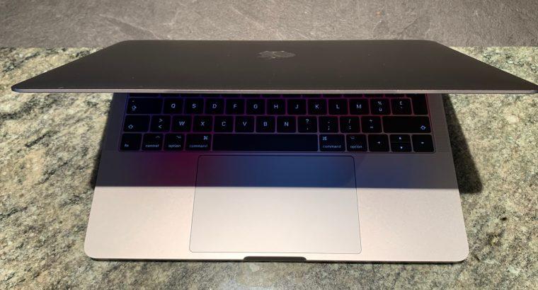 MacBook Pro 13 TouchBar 2016 – 512 Go