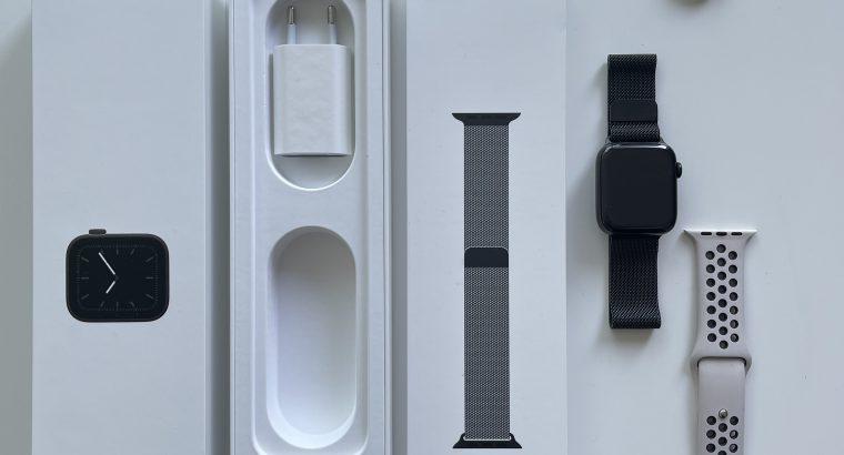Apple Watch Series 5 GPS + 4G 44mm Acier Noir